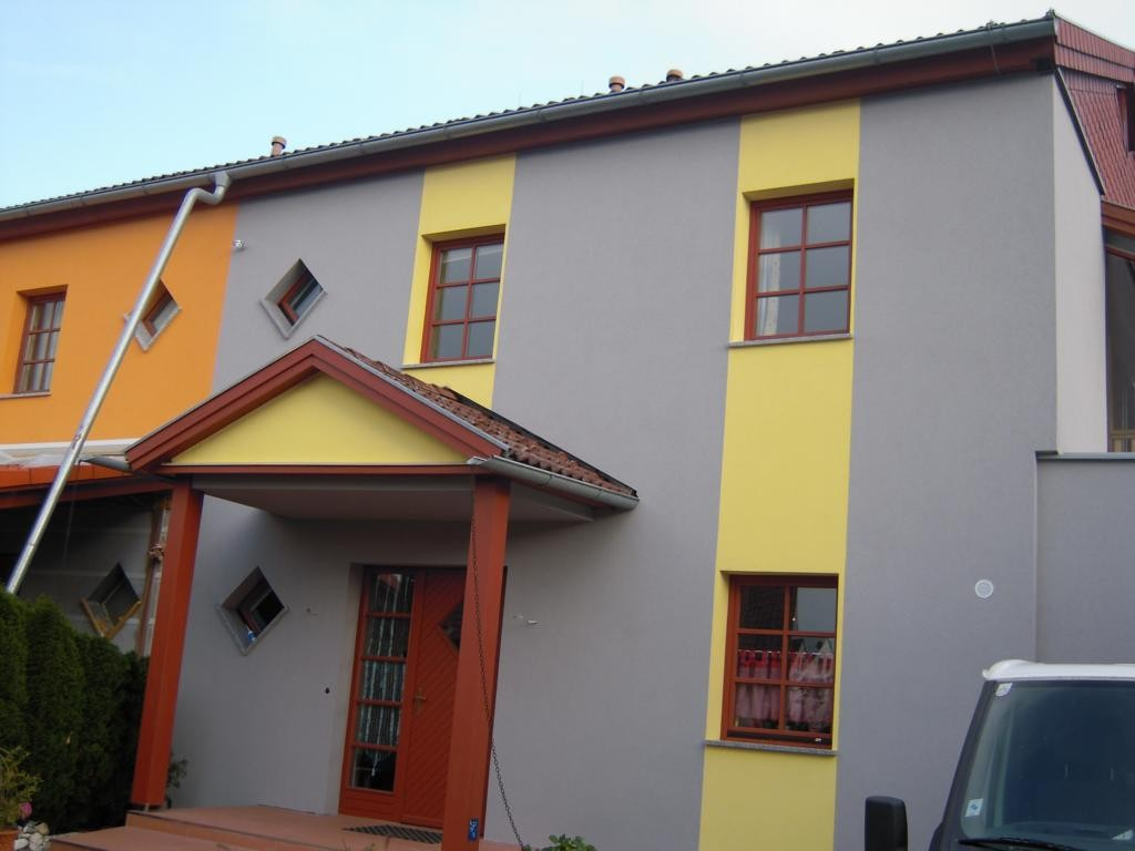 Gartengestaltungsideen Reihenhaus Malerei : Reihenhaus grau gelb malerei mlivomalerei mlivo